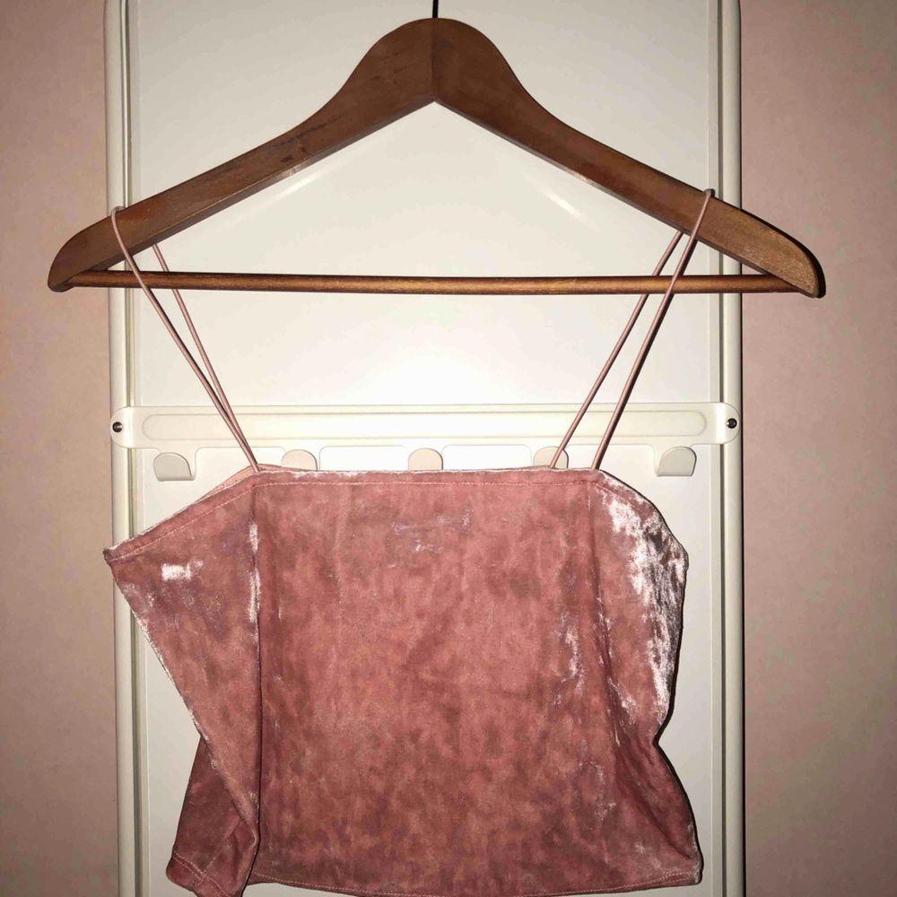 Rosa top från H&M  Kunden står för frakten 💘. Toppar.