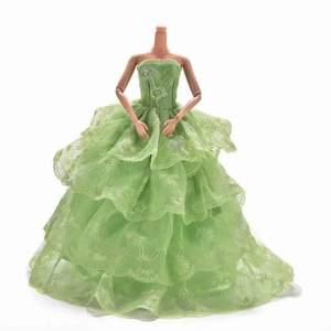 Ny & plomberad klänning för barbie docka och övriga dockor. Färg: neongrön  Material: polyester. Tålig. Storlek: Standard storlek för barbie . Docka ingår ej. *snabb leveranstid:1-3 vardagar.