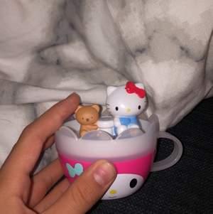 Gullig my melody kopp med hello kitty!