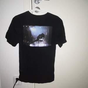 T-shirt med tryck från HM 🖤 Strl S