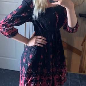 En klänning från Ellos i storlek 38