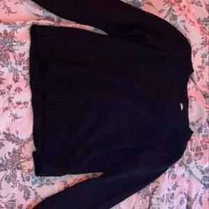 Svart stickad tröja ifrån hm 40kr+frakt