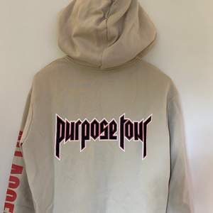 Hoodie från H&M x Justin Bieber med ett motiv från purpose tour. Supersnygg hoodie men får inte den uppmärksamhet den förtjänar av mig
