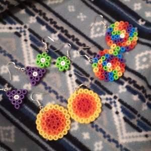 Säljer dessa jättesöta örhängen, 25 kr per par och 2 för 35kr #örhängen