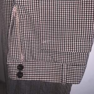 Rutiga kostymbyxor i storlek XS, använda va 2 gånger