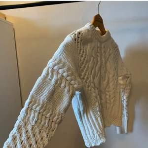 Superfin och mysig stickad tröja. I nyskick! Möts upp i sthlm eller köparen står för frakten🥰