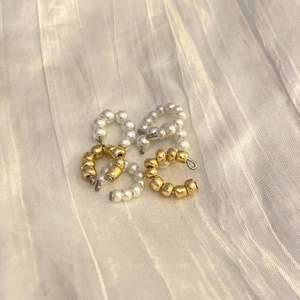 Earcuffs AURORA Stora pärlor Små pärlor Guldiga pärlor Vid köp av: 1=10kr 2=16kr 3=22kr 4=30kr Frakt på 12kr tillkommer❤️ Gratis frakt vid köp över 120kr🤩
