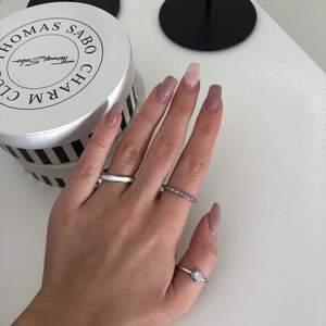Så snygga ringar!!! Passar ju till allt⚡️⚡️⚡️ strl S till M alla för 40kr + 11kr frakt⚡️⚡️⚡️