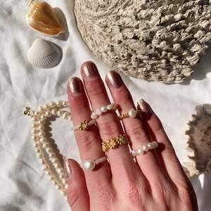 Kollar in priser på @emmaxjewelry 💓