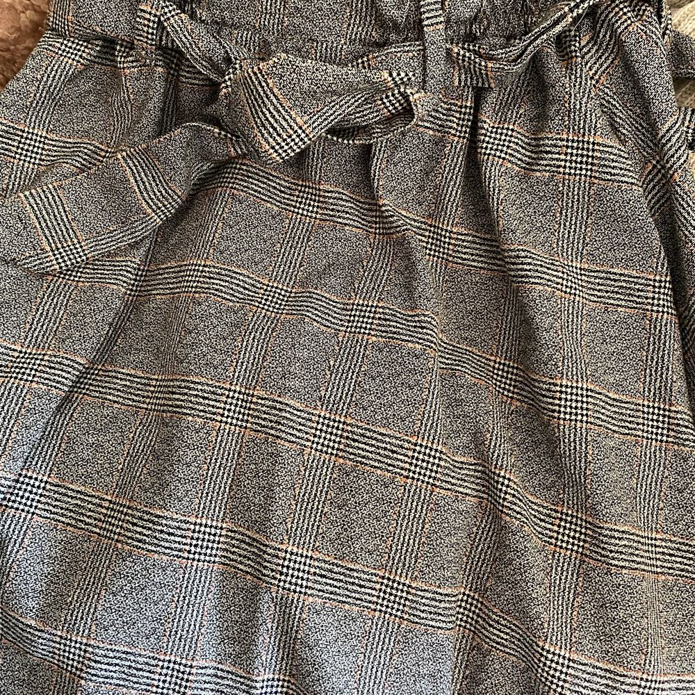 Säljer min rutiga kjol, använd endast 1 gång!. Kjolar.