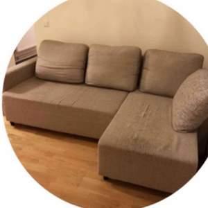 Säljer denna 3 sits soffa och bord från IKEA då jag ska flytta och har köpt en större soffa och har ingen användning av bordet heller. Dom är båda i väldigt bra skick och har inga märken och är inte sliten på något sett. Soffan är lagom stor och funkar bra i sovrummet eller i ett litet vardagsrum t.ex. Bordet funkar vart som helst. Du kan köpa båda för 600 eller soffan för 550 eller bordet för 50 :)) priset och frakt/upphämtning kan diskuteras💕