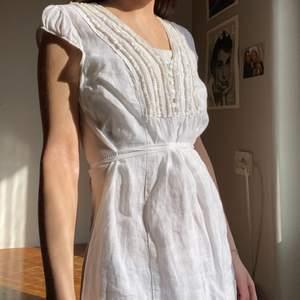 Världens sötaste klänning, Köpt secondhand, köparen står för frakten