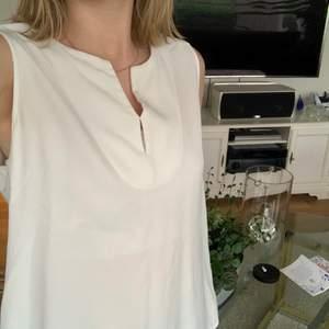 Super luftigt och skönt vitt typ vanligt linne säljer för att jag aldrig använt de