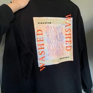 Snygg sweatshirt från Envii, säljer för att jag inte använder längre! Står ingen storlek i men skulle gissa på en storlek S🙌🏽🙌🏽 200kr+ frakt