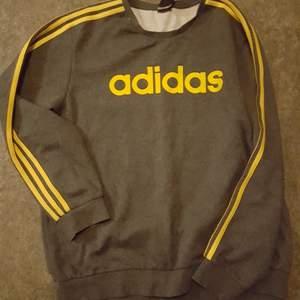 Adidas tröja i nyskick