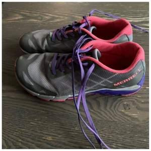 Merrell skor Size 36 Innermått 23,5 lätta sommarskor perfekt till sommar vandring ute i skogen