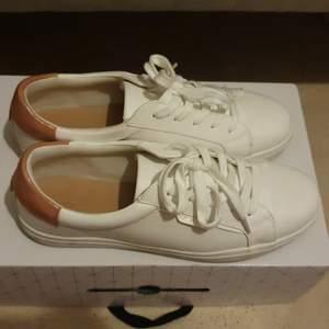 Jättefina skor med högt kvalitet
