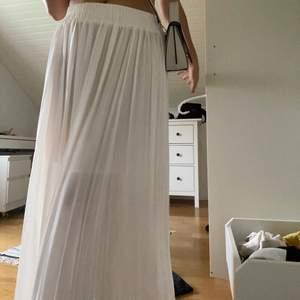 Så fin kjol från hm som är använd 1 gång! Skriv för frågor!