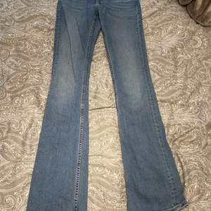Jeans från crocker i bootcut storlek 25|33.                          Pris kan sänkas vid snabb affär