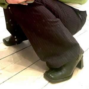 Så jäkla balla skor! De är dock lite för små på mig 😔😢 :/ Dem är i storlek 36! 😍 I bra skick