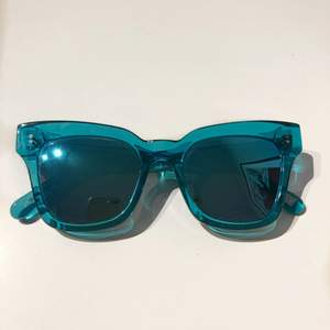 Chimi solglasögon i färgen Aqua, modell #005 med spegelglas från utgången core collection. De är i nyskick, använt ett fåtal gånger💥❣️