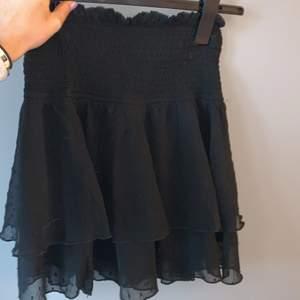 Finaste kjolen från bikbok storlek s passar mindre och större då den är stretchiga i midjan❤️