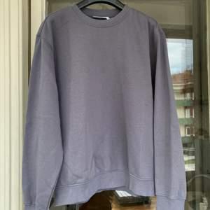 Weekday tröja storlek M, nytt skick bara använd fåtal gånger :)