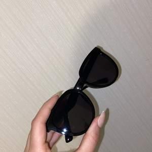 Svart solglasögon från SHEIN helt nya