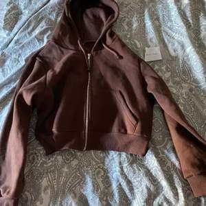 Jöttefin brun zip hoodie