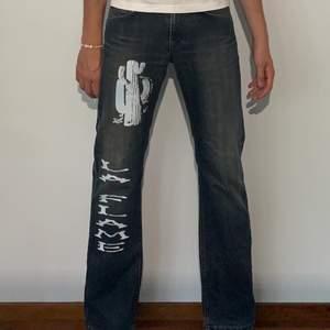 Size 32/34 loose fit lmk