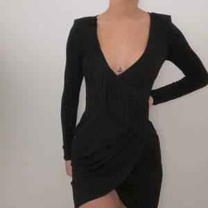 Oanvänd klänning från bershka, super snygg. Strl XS 80kr + frakt 🌸