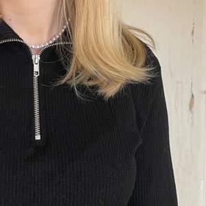 Cool tröja med halfzip💕Super cool men inte min stil längre! storlek s😄hör av dig vid frågor!