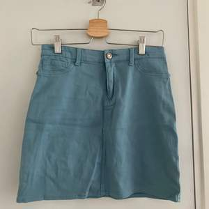 Mini skirt, blue in color and not used often 🤍. It is a jegging skirt so it is a rather stretchy material