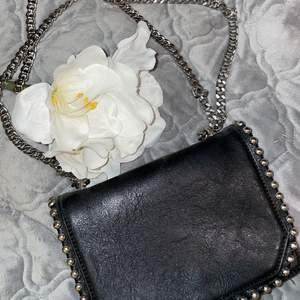 Fin svart väska, inga defekter! Skriv dm vid intresse!💕