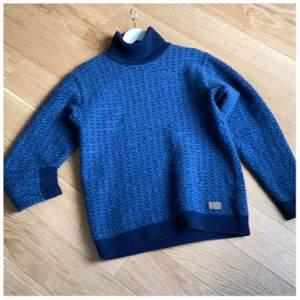 Fin ull tröja med polo 100% ull fint skick rökfritt hem nypris1295:-