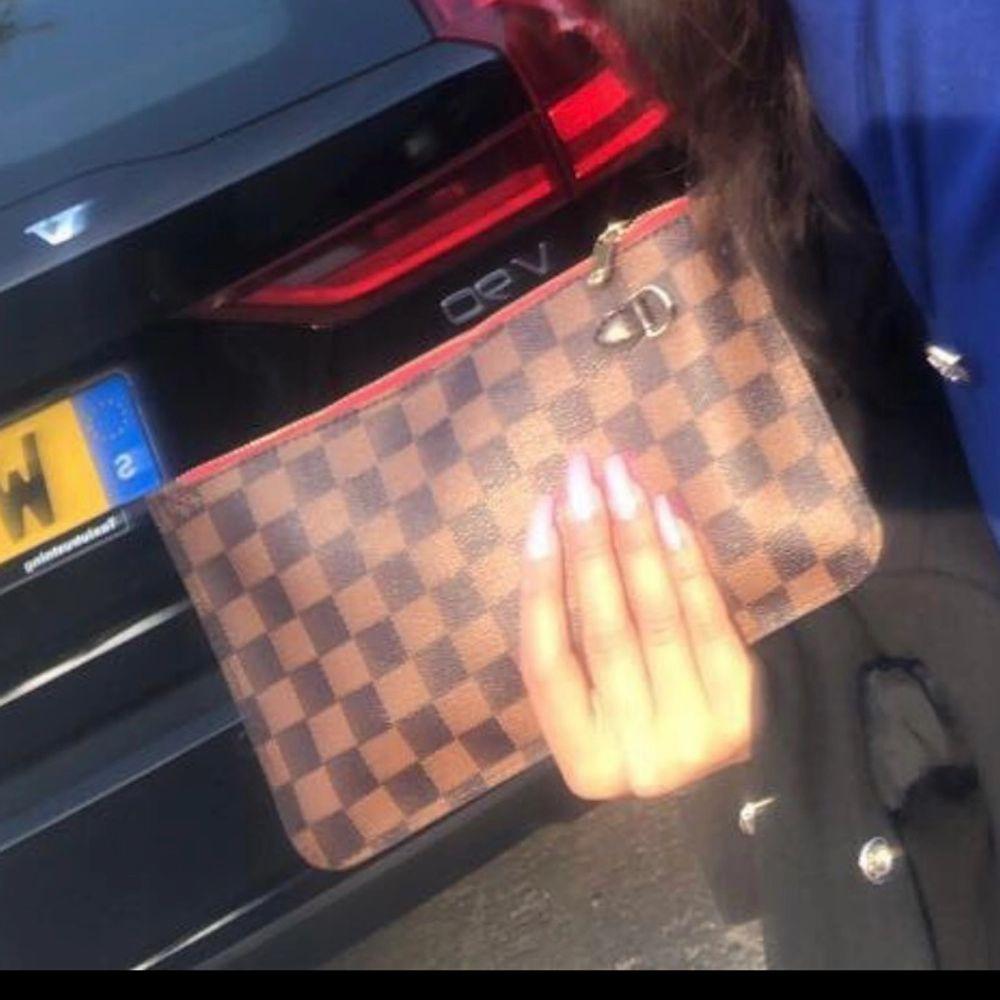 Louis Vuitton bra kopia . Väskor.