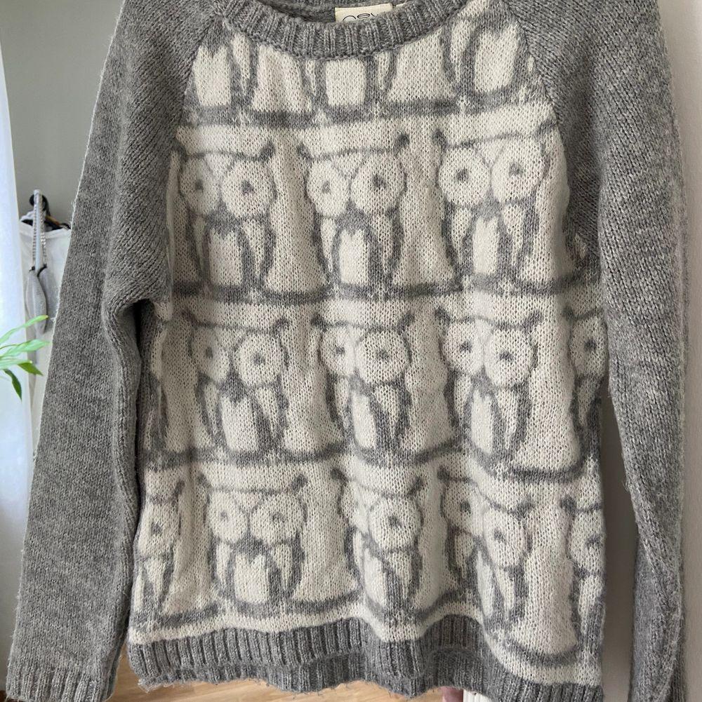 Söt stickad tröja med ugglor från New Look. Använd ett par gånger men i fint skick. Mjuk o skön, inte stickig!. Stickat.