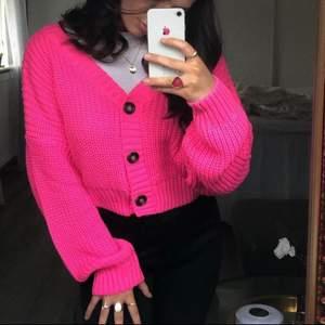 Super fin rosa kofta✨💗 Väldigt bra passform på denna!! Köparen står för frakten 📦