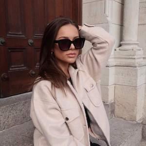 Solglasögon från Corlin Eyewear i modellen Modena Black. Helt nya. Nypris 699 kr.