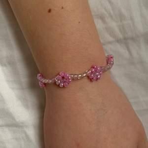 Egengjort armband, rosa, silverlås, ca 17cm, gratis frakt, kan göras i andra färger 🌈