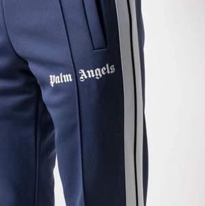 INTRESSEKOLL!!! Blåa palm angels track suit pants, storlek XS