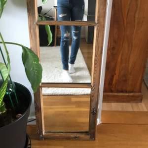 Ett par blå jeans som jag har använt 3 gånger.