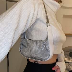 SÅÅ fin glittrig väska som jag inte använder 🥰