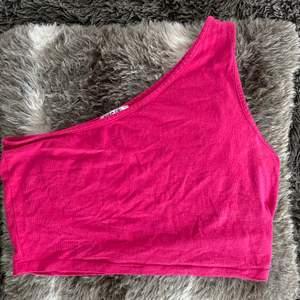 Superfin rosa festtopp, storlek L, säljer för 60kr + frakt <33