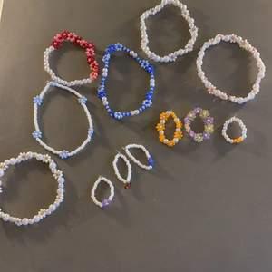 INTRESSEKOLL!!! Jag har tänkt att ta emot beställningar där man kan designa sitt eget smycke och välja färg och form helt själv!💚💛💗💜💙 Jag gör armband, halsband, ringar och forlänkar. Hör av dig till mig om du är intresserad och vad du vill beställa, se på bild 2 vilka pärlor jag har☝🏼. Smyckerna på bilderna är bara idéer på hur man kan göra sin design och självklart får man beställa liknande🥰. Priset kommer att variera beronde på vad man beställer. Om jag får för mycket beställningar prioriterar jag de som hört av sig först och därav kan de ta längre tid att få sina smycken beroende på när man la sin beställning! Frakt tillkommer. Hör av dig vid fler funderingar✨