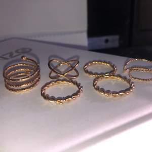6 ringar för 75 eller 1 för 10. Inte äkta guld. Köparen står för frakten🥰🥰