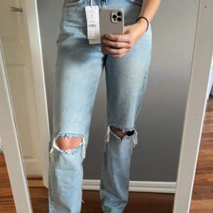 Helt nya 90s high waist jeans från Gina tricot strl 34.