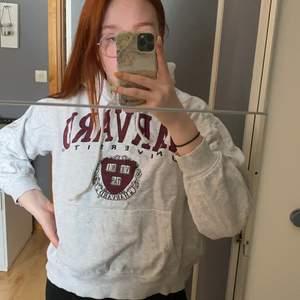 Harvard hoodie från hm mycket stor och varm
