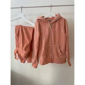 Ett rosa mjukisset i bra skick från Cubus.