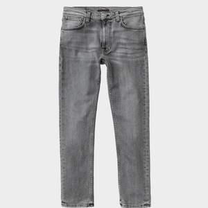 Ett par skinny jeans från Nudie Jeans som är för små för mig. Modellen heter Lean Dean Smooth Contrasts om man vill se fler bilder. Företaget är unisex så passar bra på tjejer eller killar :) Storlek är W29 34L